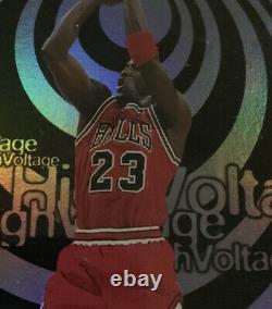 97-98 Skybox Hoops MICHAEL JORDAN HIGH VOLTAGE #14 Chicago Bulls HOF NMT-MNT Ref