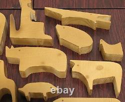 Contemporary Replica of Danese Milano 16 Animali Puzzle by Enzo Mari