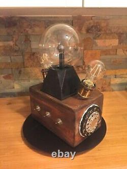 Tesla's Box Escape Room Puzzle reviewed by Chris Ramsay