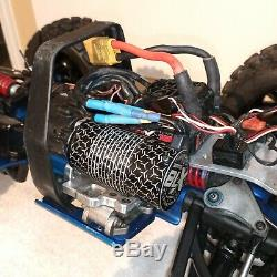 Traxxas Revo 3.3 Nitro 4wd RC Monster Truck